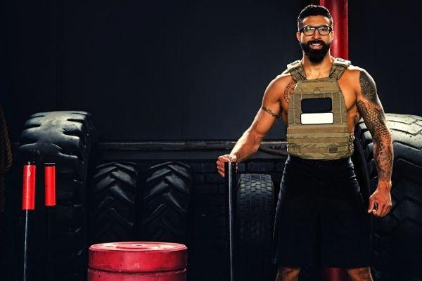 gewichtsvest fitnesskamer buiten trainen